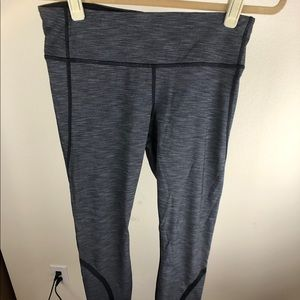 Grey Lululemon workout leggings